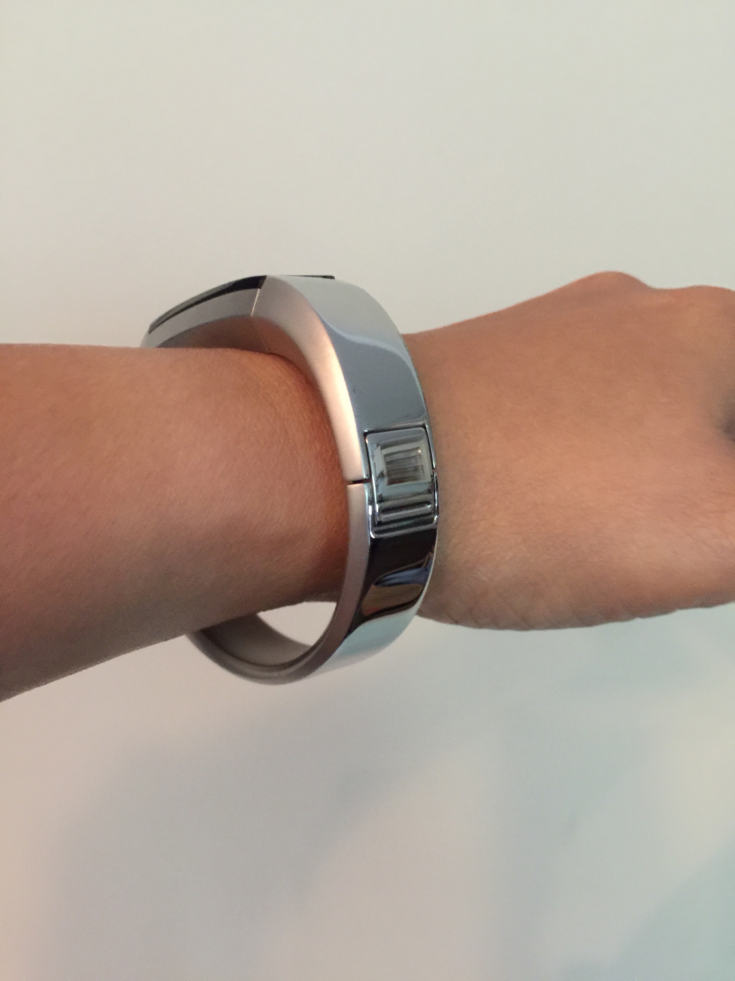 f32a800178166 Different sizing options for stainless steel band? - Fitbit Community